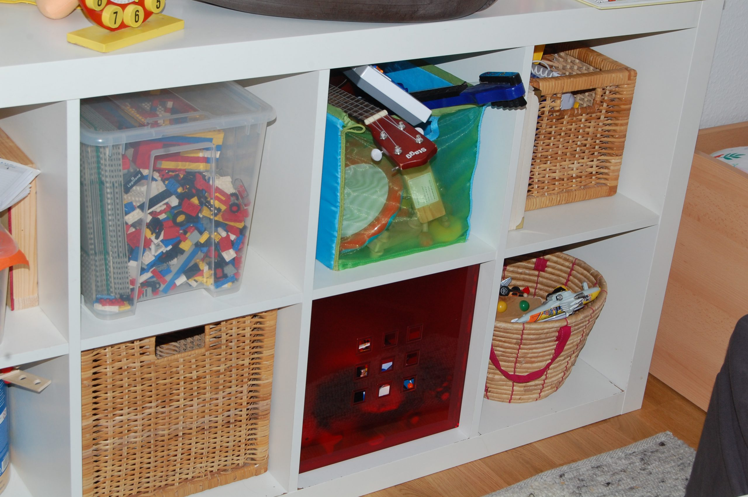 ordnung halten mit kindern heute ist musik. Black Bedroom Furniture Sets. Home Design Ideas