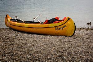 canoeing-949808_1920